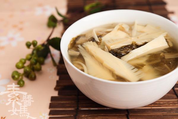 簡單湯品-春筍福菜湯-11