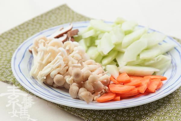 鹽麴素食料理-鹽麴炒大黃瓜-2.jpg