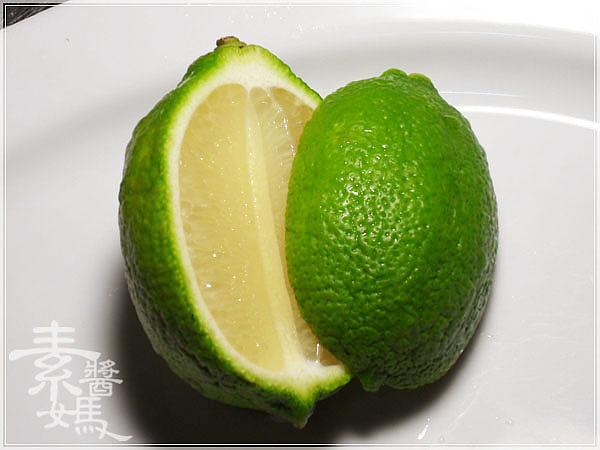 輕食料理-小黃瓜麵與甜菜根沙拉02.jpg