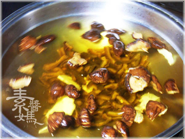 簡單湯品 - 素瓜仔雞湯09.JPG