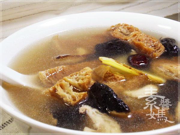 電鍋料理-腰果山藥湯12.jpg