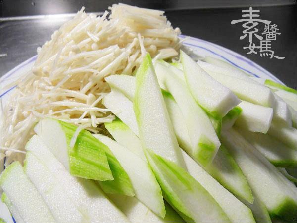 素食料理-炒絲瓜麵02.jpg