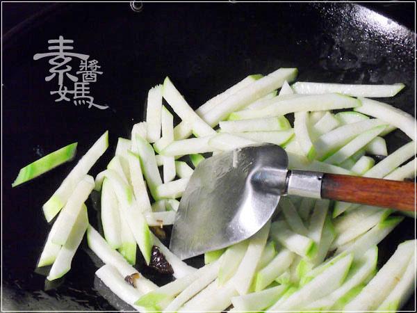 素食料理-炒絲瓜麵03.jpg