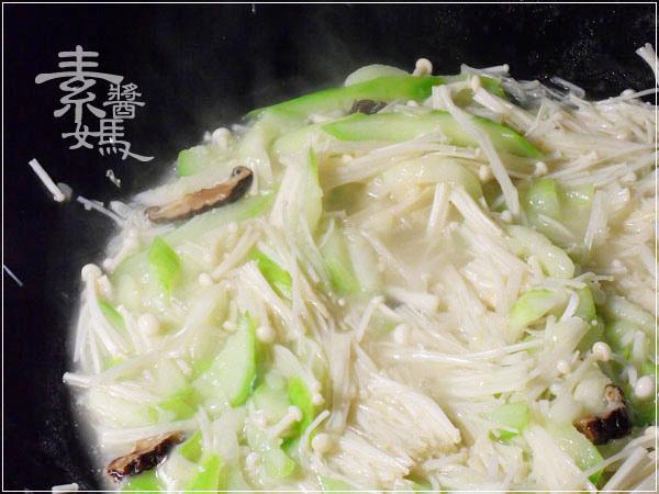 素食料理-炒絲瓜麵07.jpg