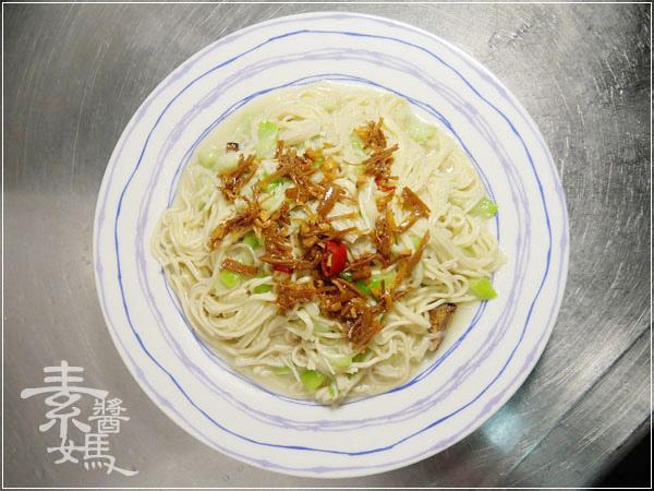 素食料理-炒絲瓜麵11.jpg