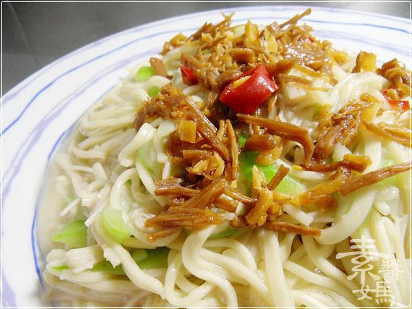 素食料理-炒絲瓜麵12.jpg