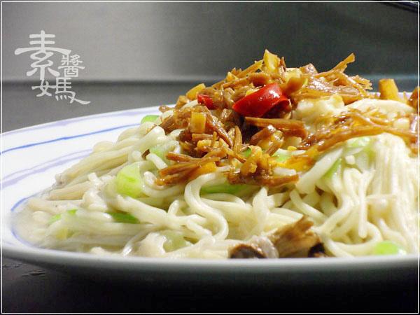 素食料理-炒絲瓜麵14.jpg
