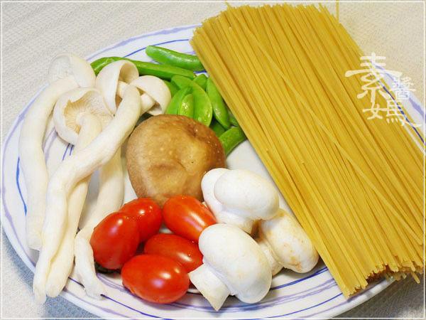 素食食譜-奶香茄汁義大利麵01.jpg