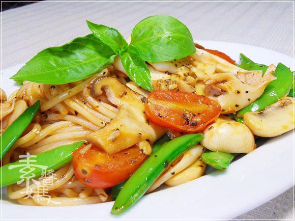 素食食譜-奶香茄汁義大利麵10.jpg