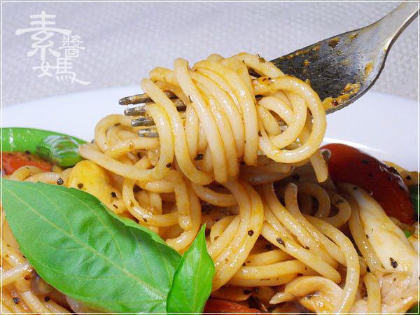 素食食譜-奶香茄汁義大利麵13.jpg