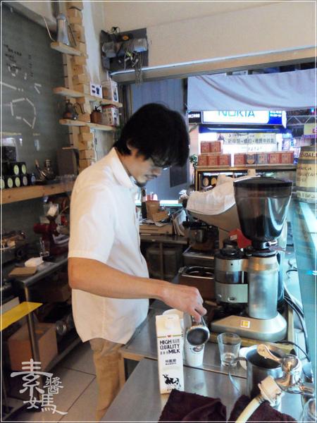 台中東海-fish cafe 對的咖啡(東籬)23.jpg