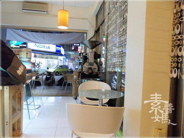 台中東海-fish cafe 對的咖啡(東籬)04.jpg