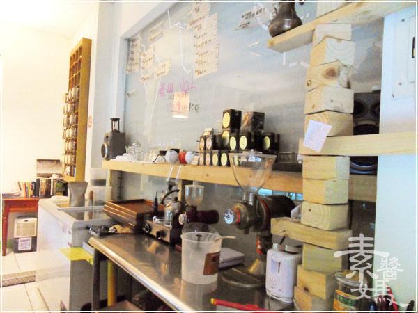 台中東海-fish cafe 對的咖啡(東籬)08.jpg