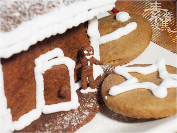 聖誕大餐系列-平底鍋做薑餅屋(人)20.jpg