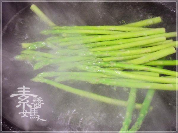 過年圍爐食譜-吉祥白玉鮑菇盤(杏鮑菇拼盤)04.jpg