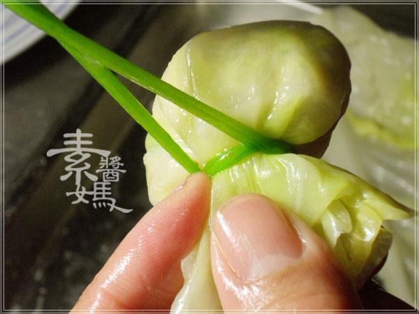 過年拜拜食譜-招財滿貫迎福袋(高麗菜捲)13.jpg