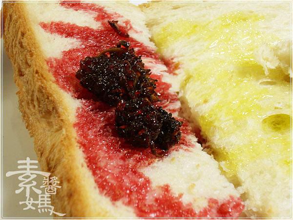 大葉高島屋戰利品-PECK義式麵包&桑葚緣桑葚果醬19.jpg