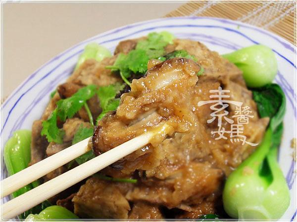美味宴客菜-芋頭排骨18.jpg