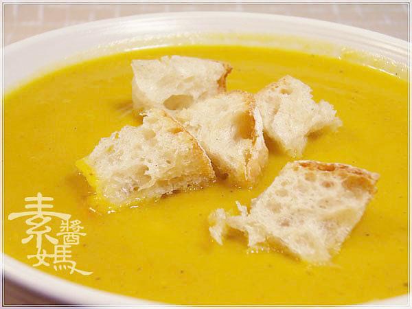 簡單西式湯品-南瓜濃湯09.jpg