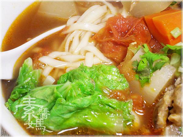 素牛肉麵-紅燒番茄麵13.jpg