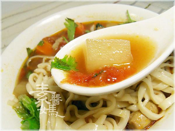 素牛肉麵-紅燒番茄麵15.jpg