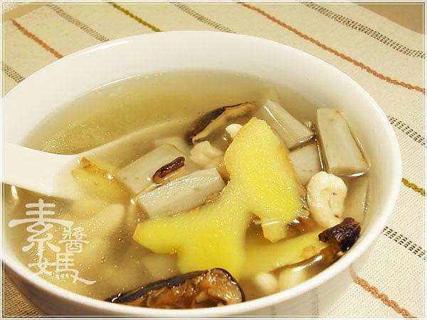 素食料理-腰果牛蒡湯07.jpg