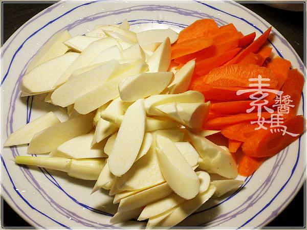 素食料理-炒筊白筍05.jpg