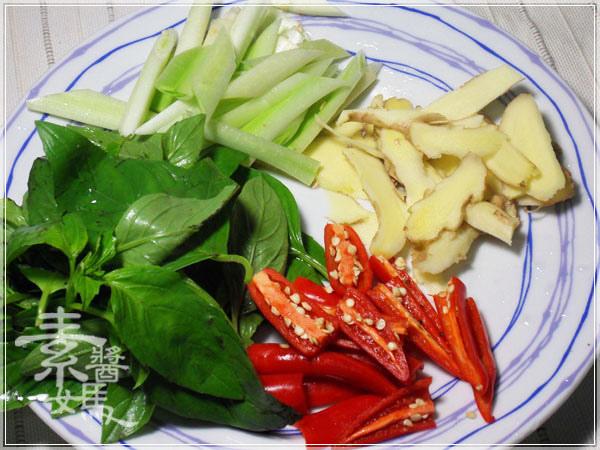 素食料理-紅燒麻油雙糕02.JPG