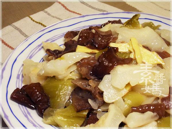 夏天開胃菜-鹹菜苦瓜11.jpg