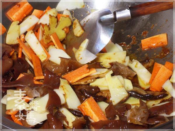 家常小吃-白菜滷09.JPG