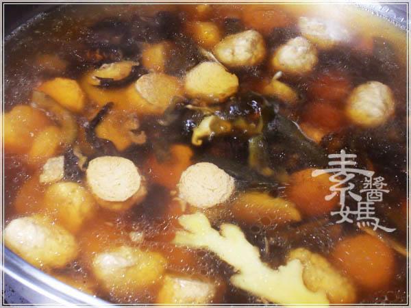 簡單湯品 - 素瓜仔雞湯10.JPG