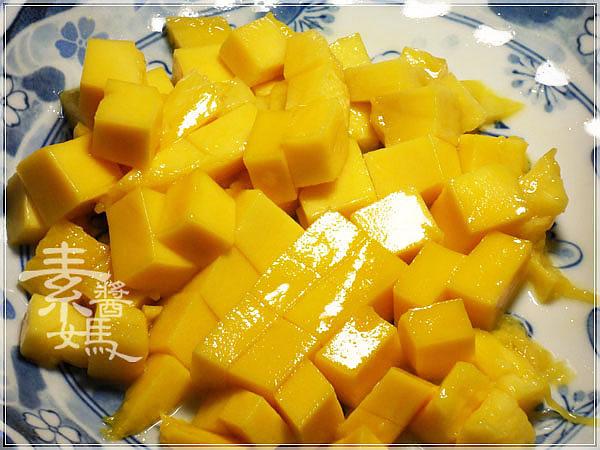 夏季甜點-芒果西米露07.jpg
