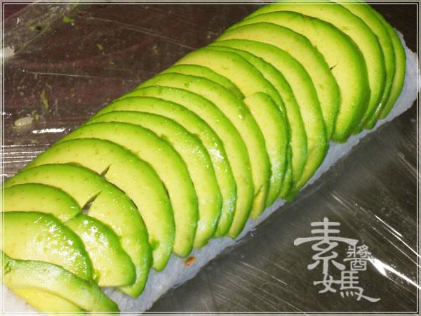 簡單日式料理-酪梨壽司(酪梨花捲)10.JPG