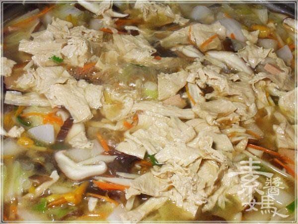 素食家常料理-大滷麵11.JPG