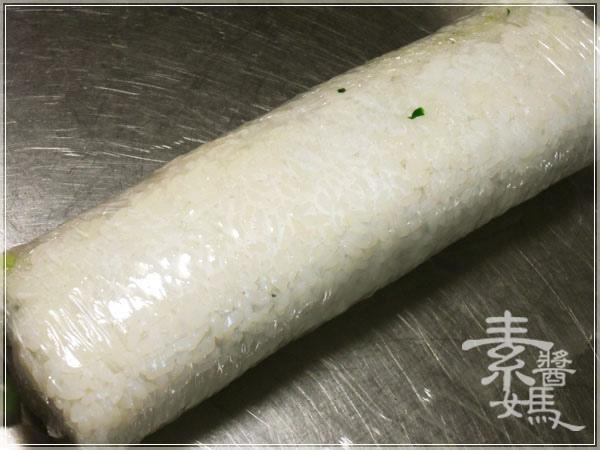 簡單日式料理-酪梨壽司(酪梨花捲)09.JPG