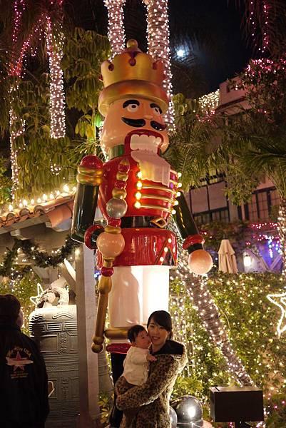 Riverside的一間Inn聖誕燈飾