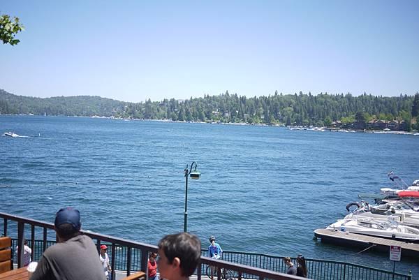 湖邊麥當勞