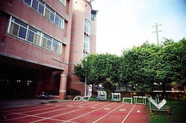 潮州高中的操場