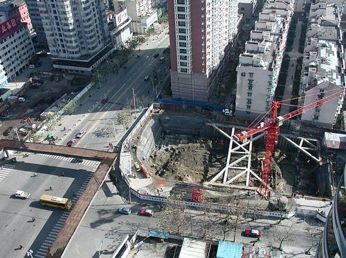 011222_1從房間俯瞰鳳起路建國路口