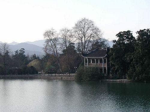 011222_2西湖_02蘇堤圍起來的小南湖