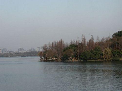 011222_2西湖_03從映波橋看雷峰