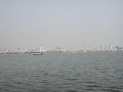 020210_3湖心亭_13在龍船看杭州市區