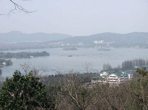 020217_02鳳凰山山腰看西湖
