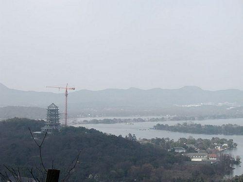 020217_03鳳凰山山腰看西湖與雷峰塔