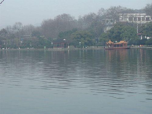 020309_西湖38剛才那艘龍船