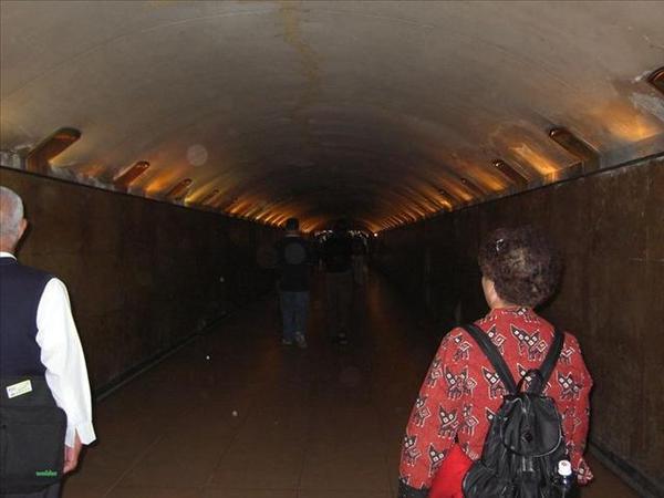 057_香榭大道與凱旋門之間的地下道