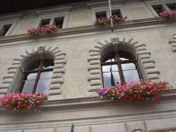 44_窗楣上的獅子每隻都不一樣喔