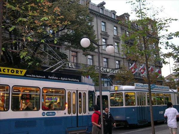 183_Hotel那個字下方的店就是此行唯一看到的Body