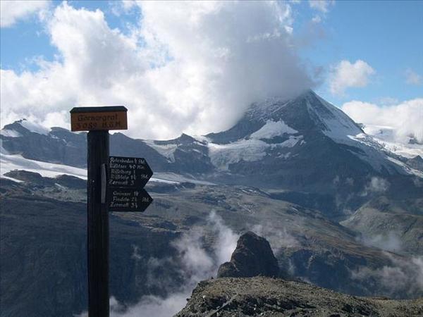 135_高奈葛拉特3089公尺-背景是馬特洪峰