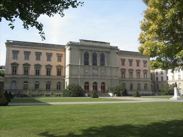 032_日內瓦大學